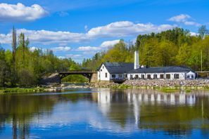 Auton vuokraus Vantaa, Suomi